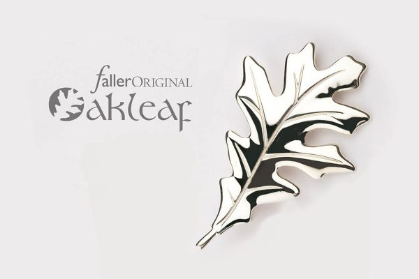 Contemporary Irish jewellery collection - handmade jewellery gift Faller Oakleaf Image
